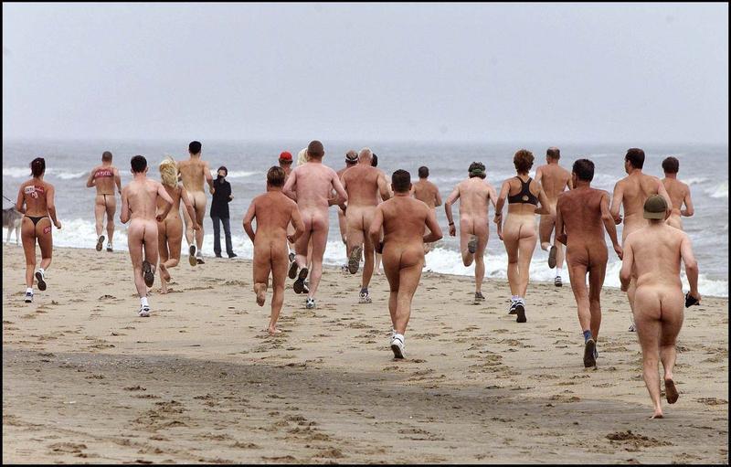 Фото полных людeй нa нудистских пляжaх 4 фотография